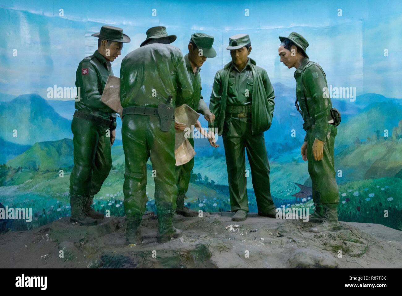 L'armée dans un diorama au Musée de l'élimination des drogues dans la région de Yangon, Myanmar. Banque D'Images