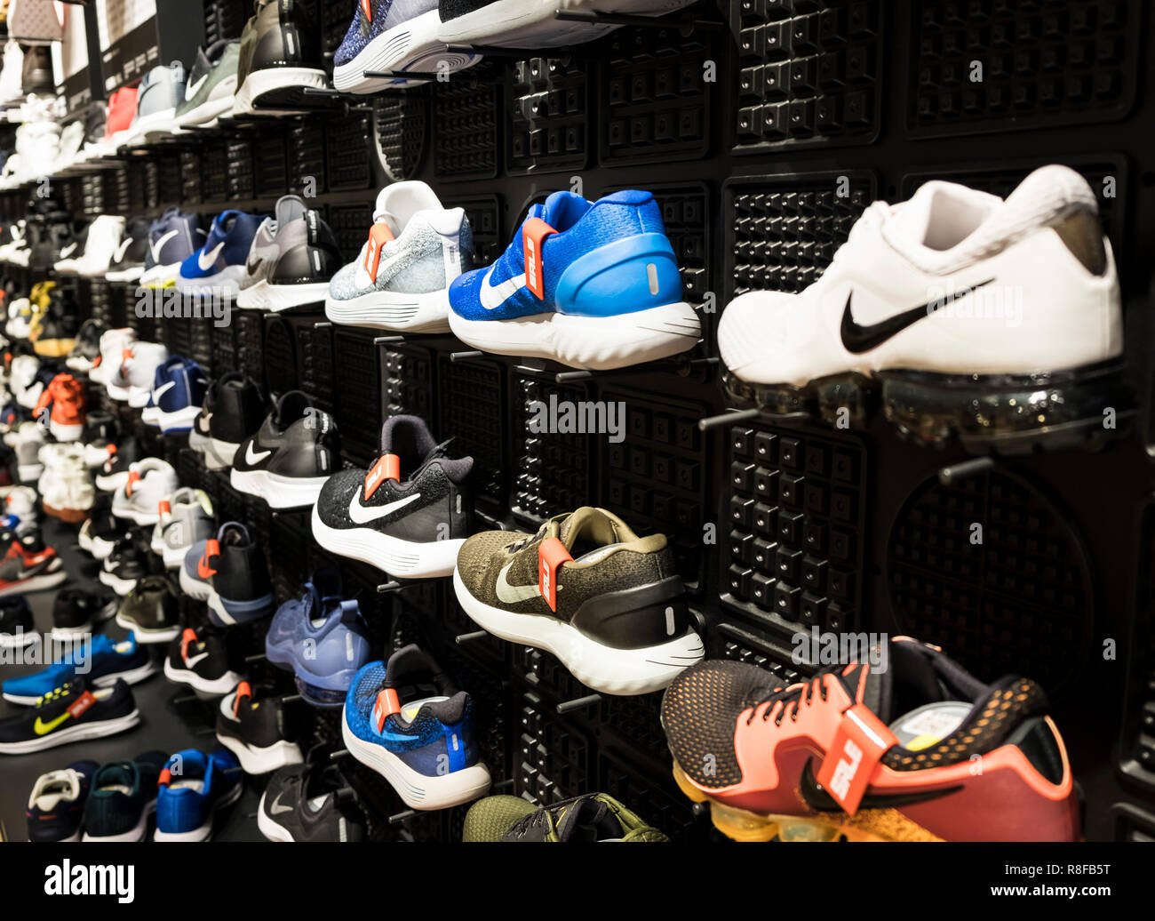 buy popular ad125 87bce Hong Kong, le 7 avril 2019   nike shoes in store Photo Stock