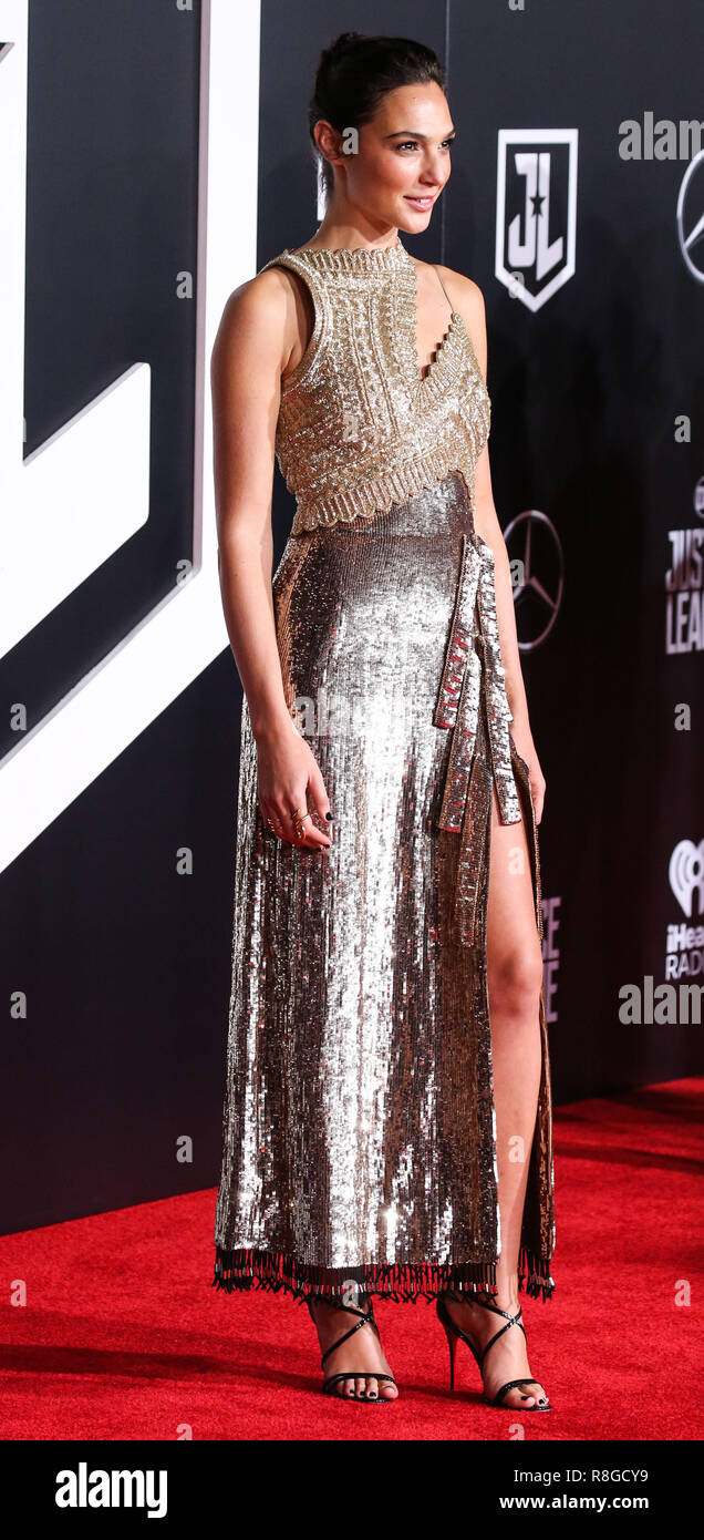 Actress Wearing Evening Gown Photos Actress Wearing Evening Gown