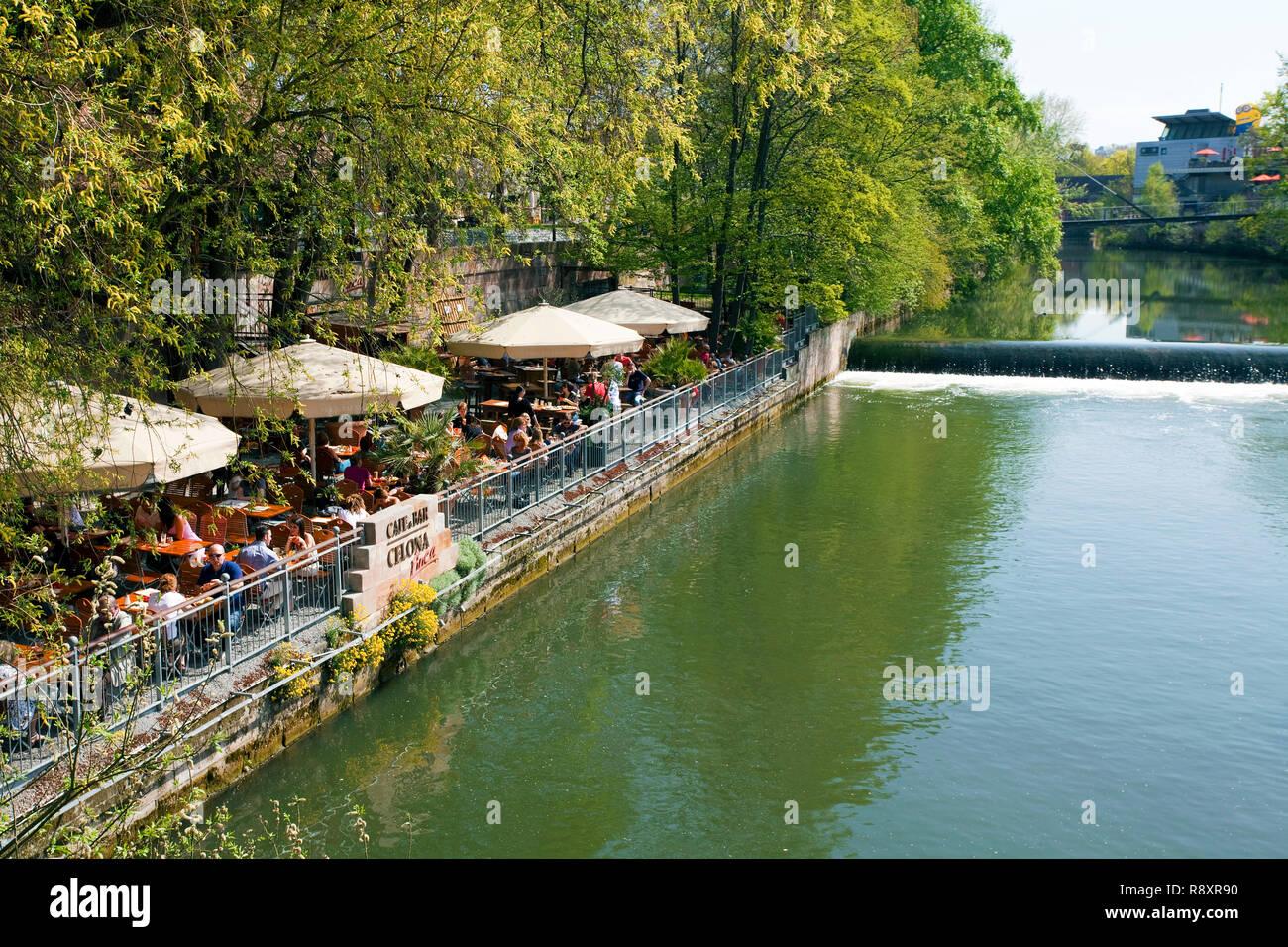 En dehors de la gastronomie à la rivière Pegnitz, vieille ville, Nuremberg, Franconia, Bavaria, Germany, Europe Photo Stock