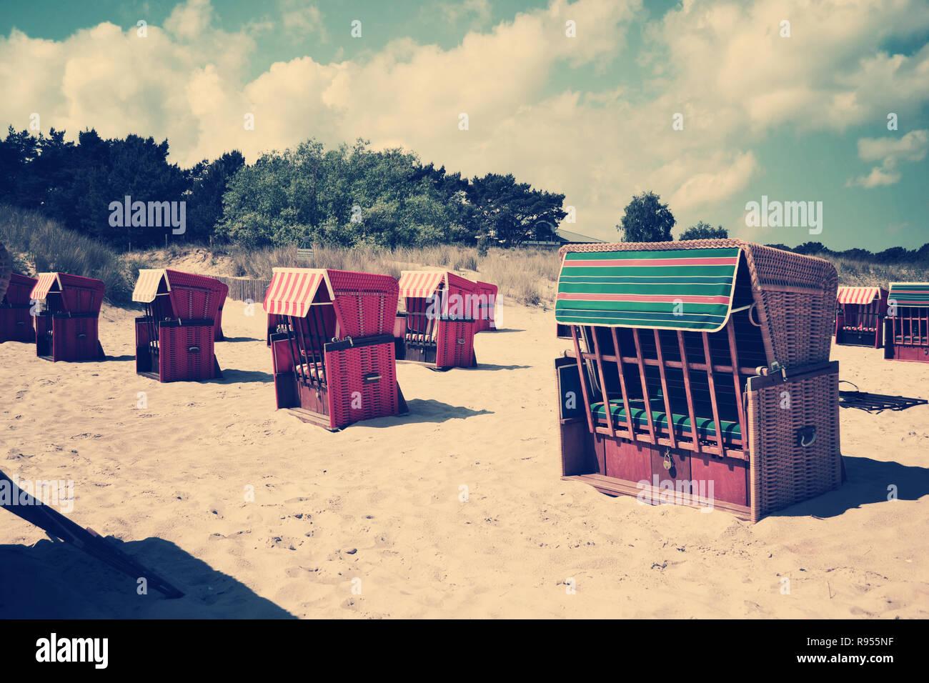 Chaises de plage retro vintage passé vieux nostalgique Photo Stock