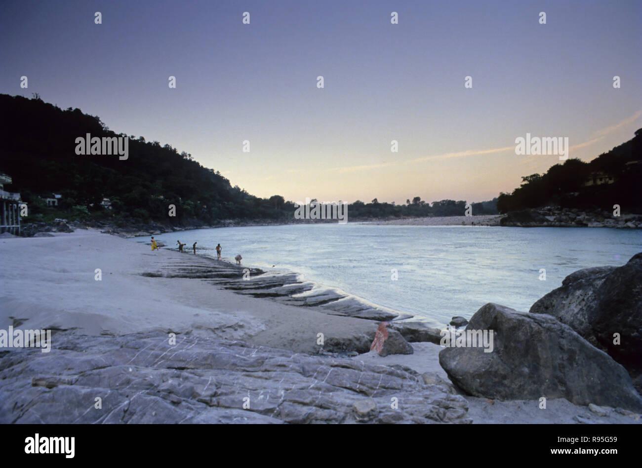Vue de la rivière ganga, Rishikesh, Uttaranchal, Inde Banque D'Images