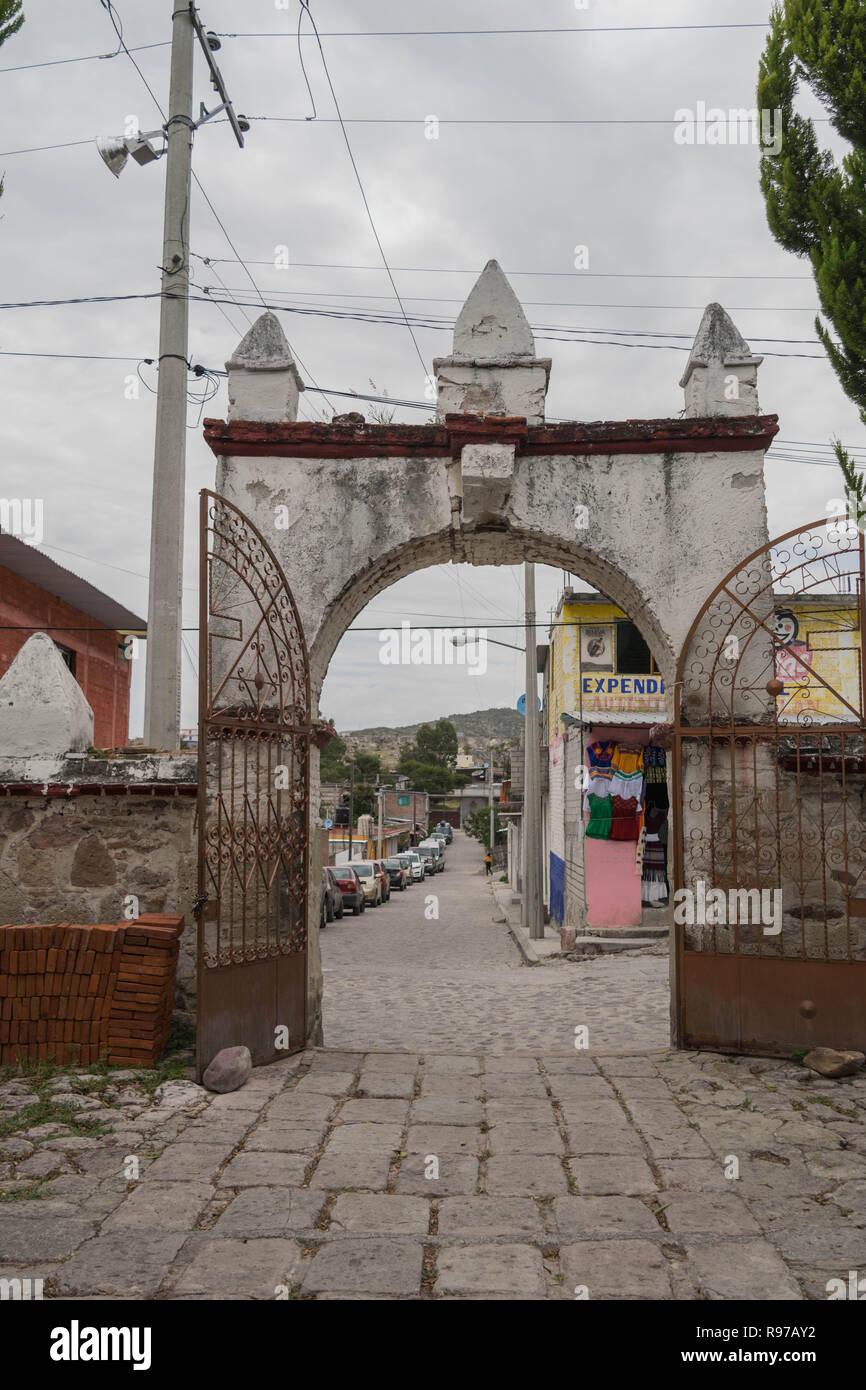 Une porte d'entrée de l'église à Mitla, à Oaxaca, Mexique Photo Stock