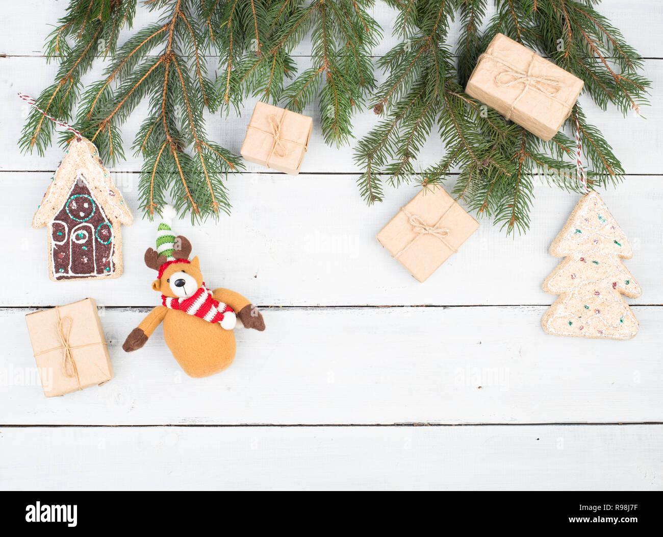Branche D Arbre Sapin De Noel branches de sapin de noël, des boîtes-cadeaux, d'épices
