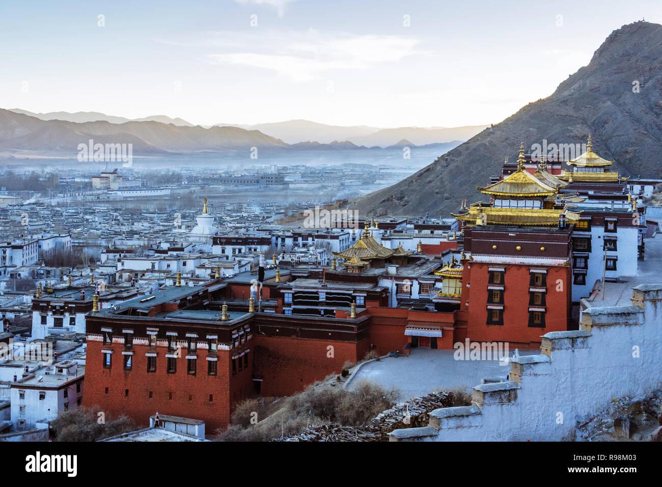 Shigatse, dans la région autonome du Tibet, Chine: le monastère de Tashi Lhunpo, siège traditionnel du Panchen Lama fondée en 1447 par le 1er Dalaï-lama. Photo Stock