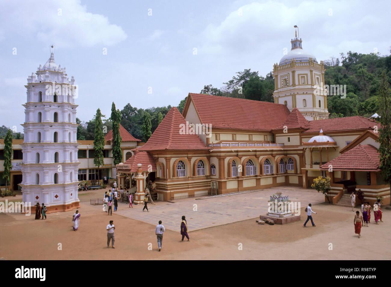 Temple shantadurga, Goa, Inde Banque D'Images