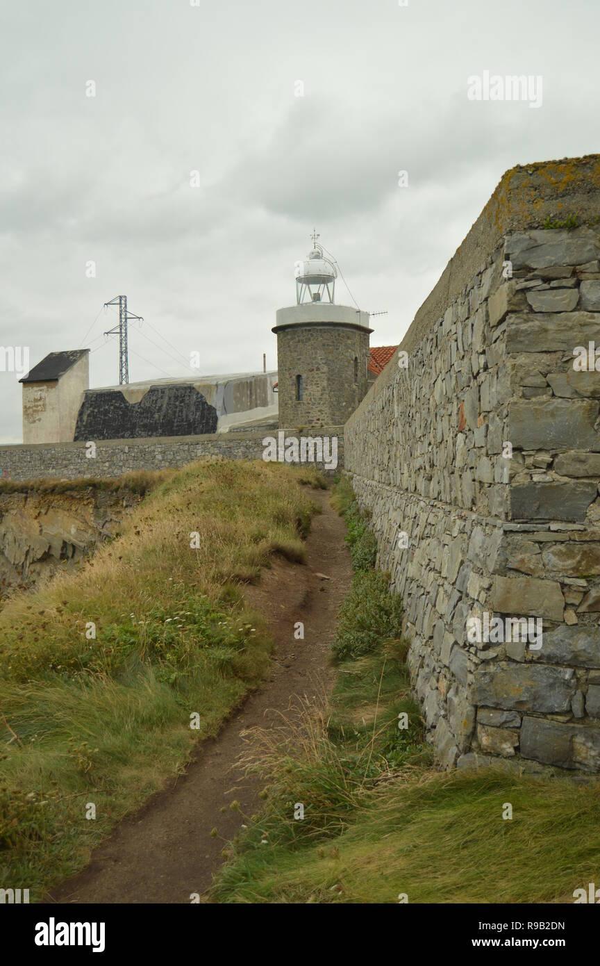 Beau phare de Cap De Vidio. Le 30 juillet 2015. Les paysages, la nature, les voyages. Cudillero, Asturias, Espagne. Banque D'Images