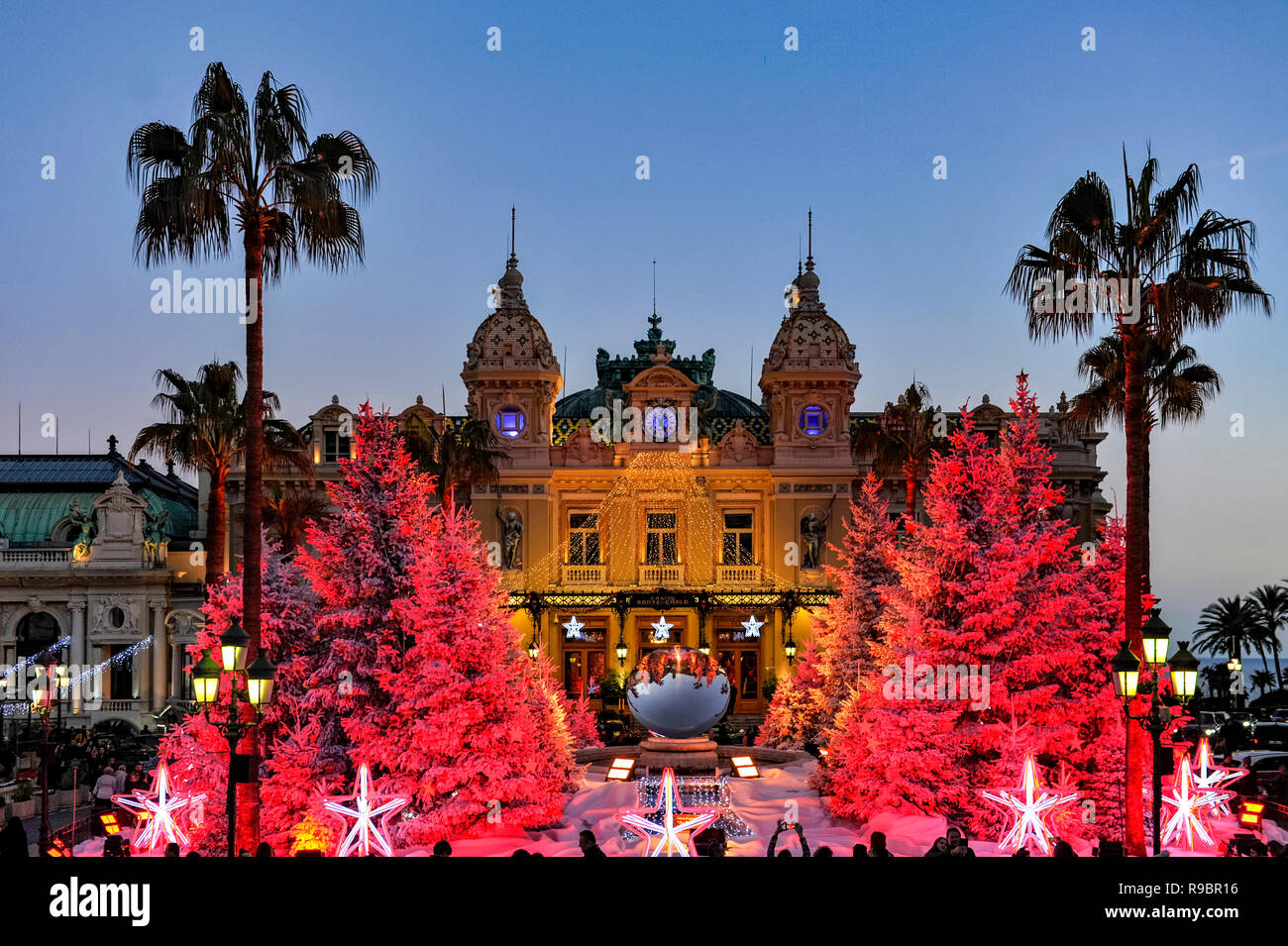 La France. Principauté de Monaco (98). Décoration de Noël en face de Casino de Monte-Carlo Photo Stock