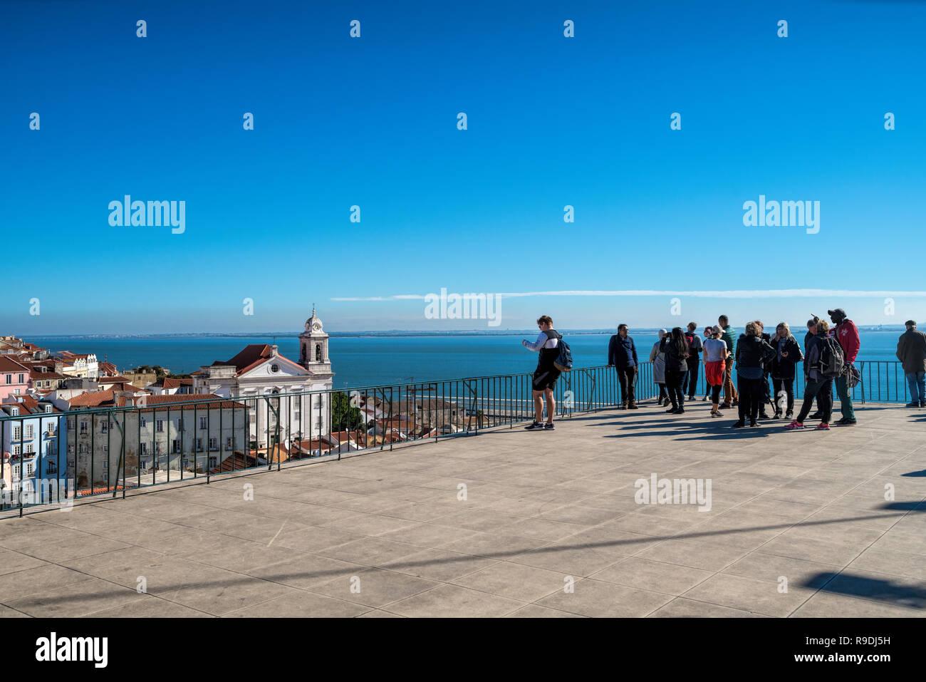 Point De Vue Et Une Terrasse En Plein Air à Lisbonne