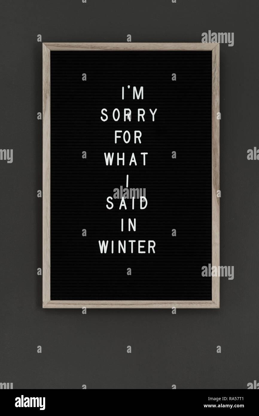 Inscrivez-letterboard lecture je suis désolé Photo Stock
