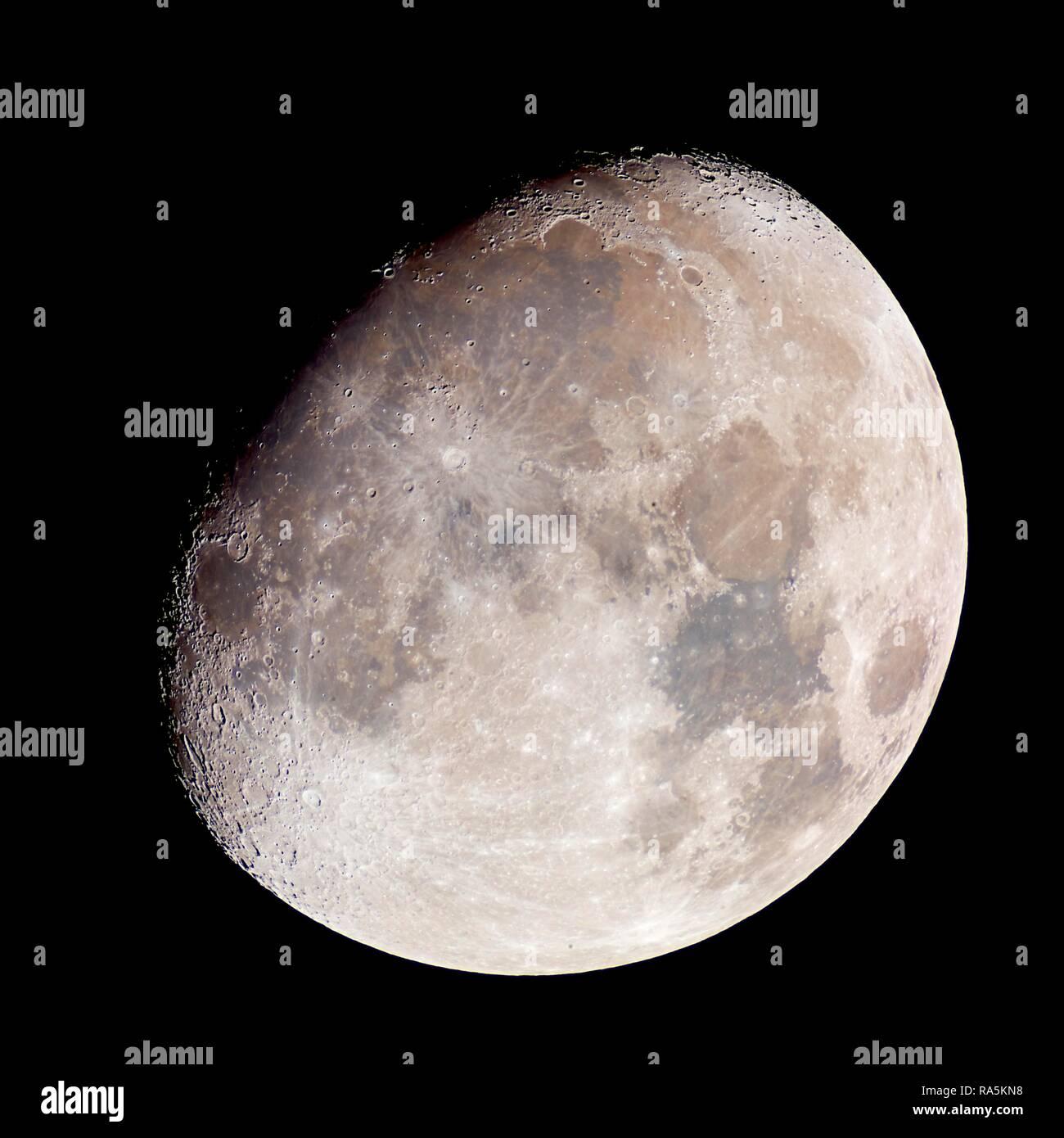 L'augmentation de lune dans la nuit, 4 jours en face de la pleine lune, Allemagne Banque D'Images