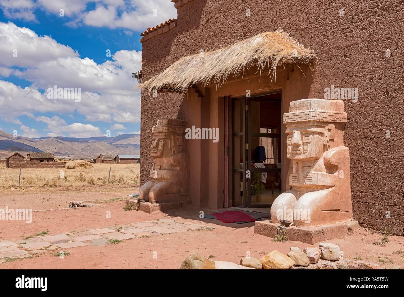 Entrée avec figures de pierre, Tihuanaku, ruines de cultures pré-Inca, Tihuanaku, Tiawanacu, Tiahuanaco, La Paz, Bolivie Banque D'Images
