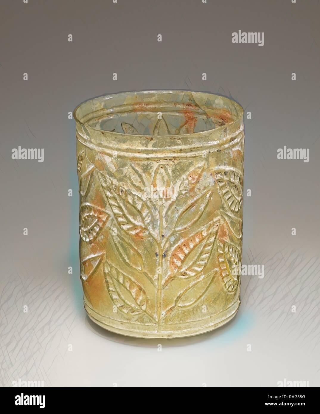 Bécher en feuilles, de l'Est de la Méditerranée, l'Empire romain, 1er siècle, verre, 7,3 × 6,4 cm (2 × 7,8 2 1,2 in.). Repensé Photo Stock
