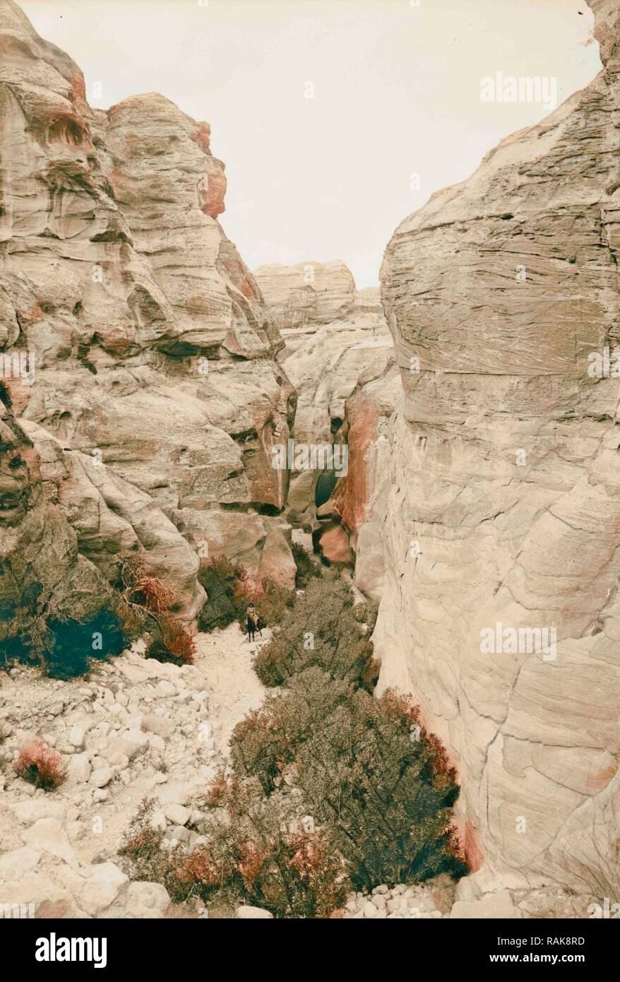 Petra en Transjordanie, Bab 1900 Es-Sik, Jordanie, Petra (éteint). Repensé par Gibon. L'art classique avec un style moderne repensé Photo Stock