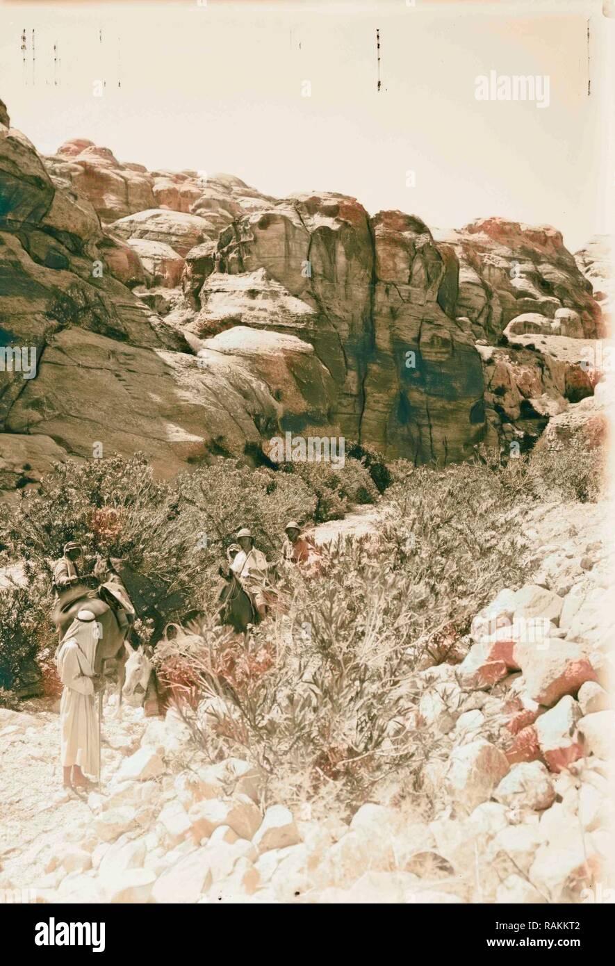 Bab Es-Sik à Pétra. 1898, Jordanie, Petra (éteint). Repensé par Gibon. L'art classique avec une touche moderne repensé Photo Stock