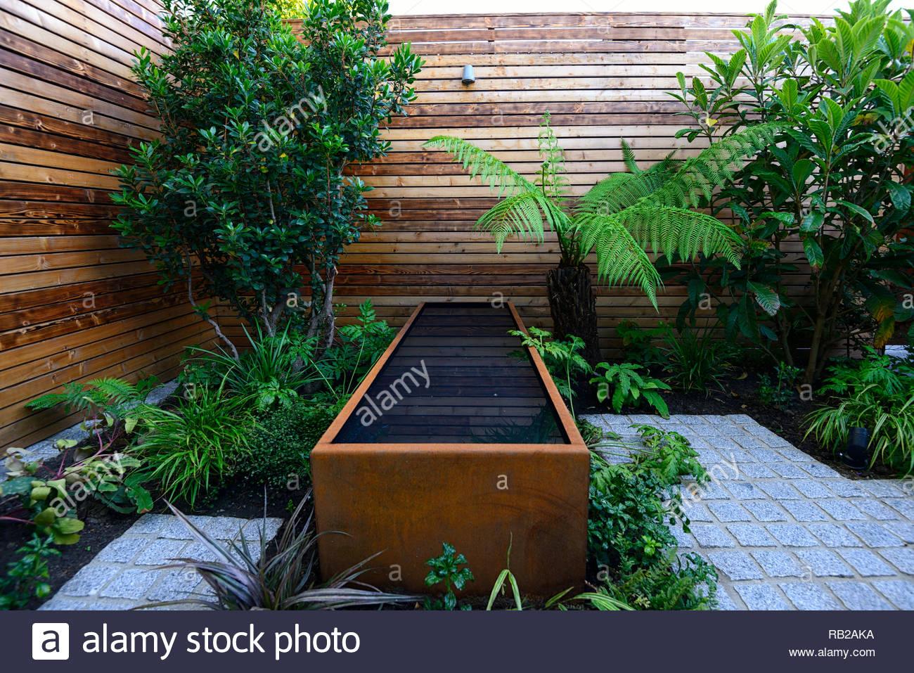 Acier Corten étang étangs,eau,look vieilli,étang rectangulaire,patio ...