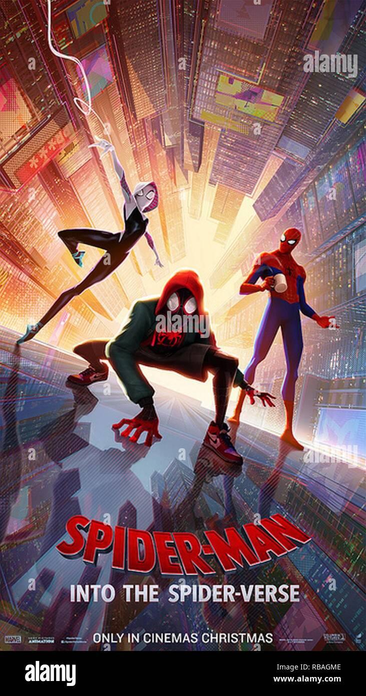 """L'Armée de terre et Air Force Exchange Service et Sony Pictures s'associent pour fournir des services de dépistage gratuit simultanée de deux films militaires hommes et femmes déployés au Moyen-Orient, juste à temps pour les fêtes. Troupes auront la chance de voir """"Spider-Man™: Dans l'Spider-Verse"""" et """"Holmes & Watson."""" Banque D'Images"""