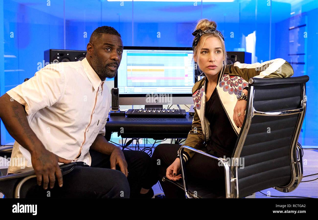 Tourner jusqu'CHARLIE 2019 série TV Netflix avec Idris Elba et Piper Perabo Photo Stock