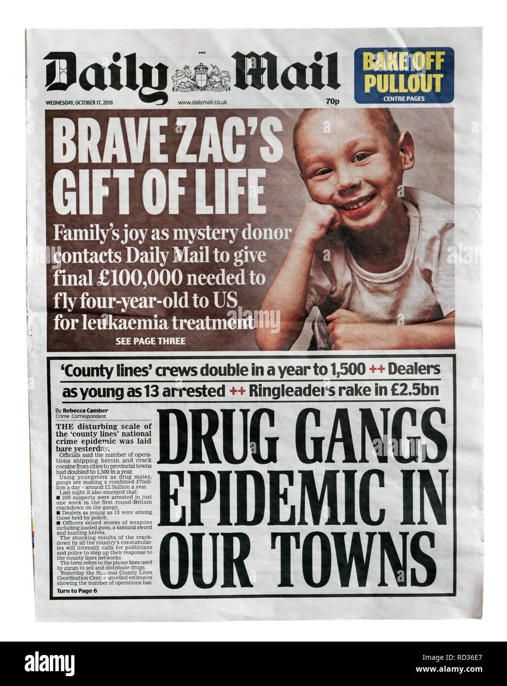 La première page du Daily Mail du 17 octobre 2018 avec le titre Les gangs épidémie dans nos villes, sur les lignes des trafiquants de comté Photo Stock