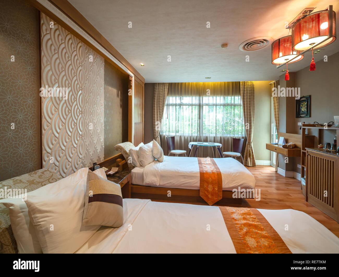 Chambre Luxury avec lit avec décoration vintage, style Chinois