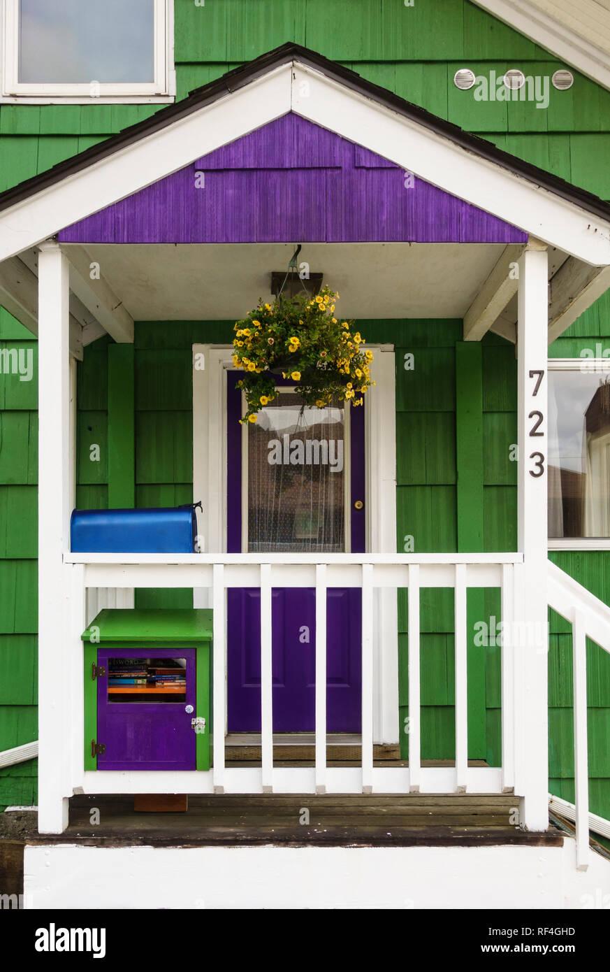 Couleur Façade Maison Ancienne porche et porte d'une ancienne maison à ossature bois