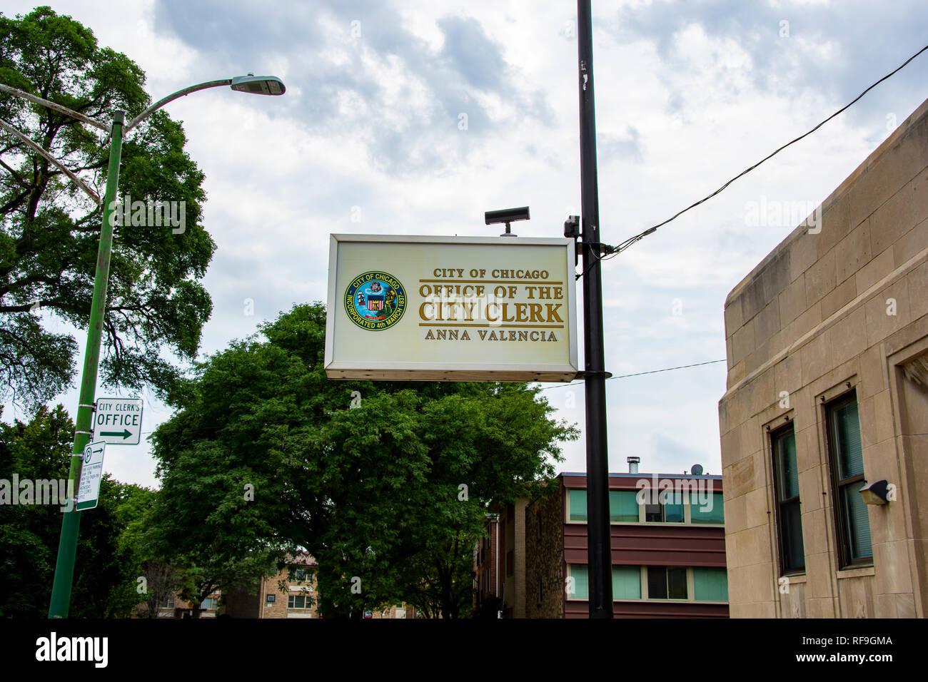 Chicago, Illinois, United States - 9 août 2018: Shot du signe en face de l'office de greffier de la ville de Chicago situé à Jefferson Park, Chi Photo Stock