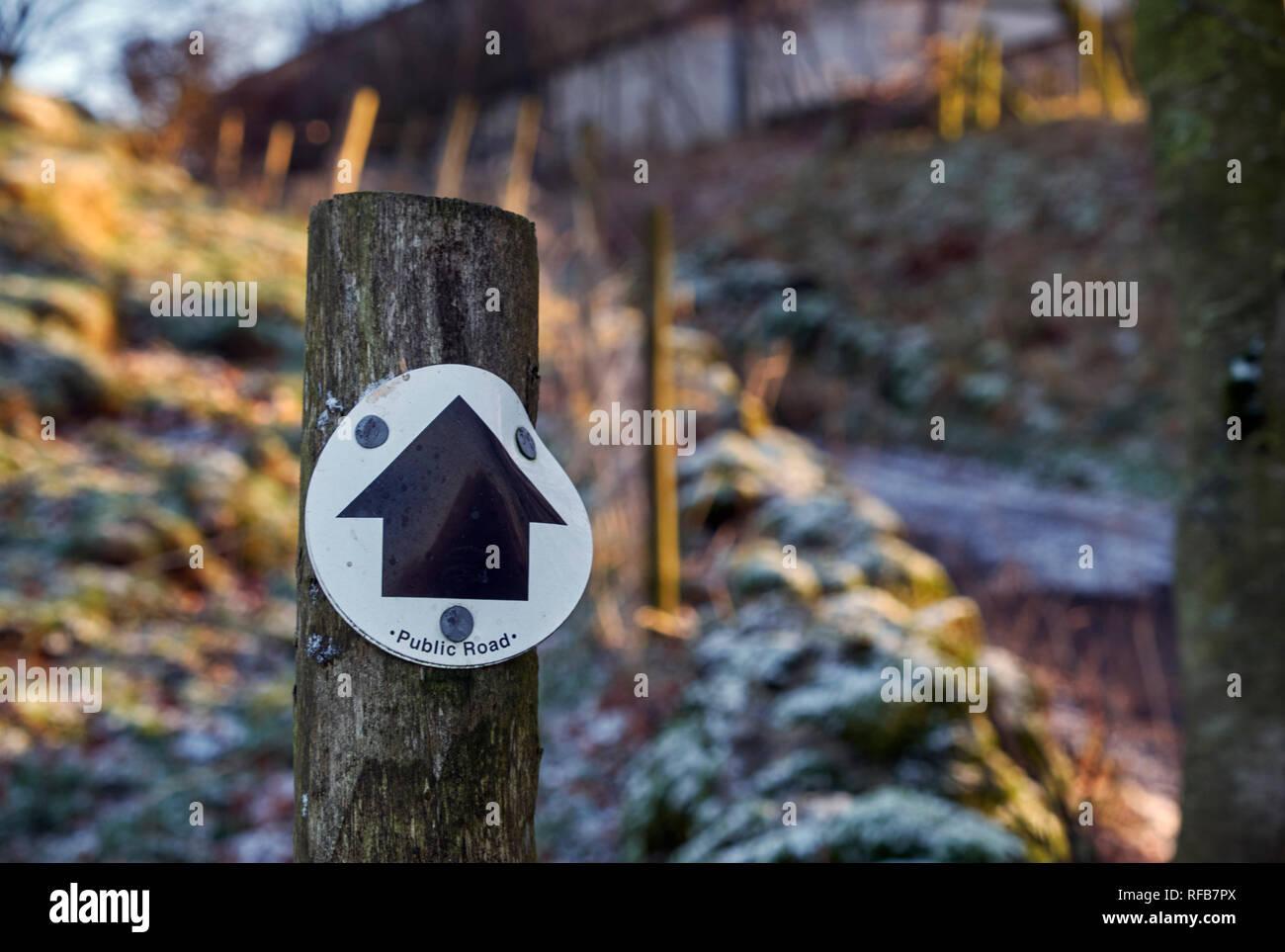 Signe pour voie verte près de colombe les trous. Parc national de Peak District, Derbyshire, Angleterre. Photo Stock