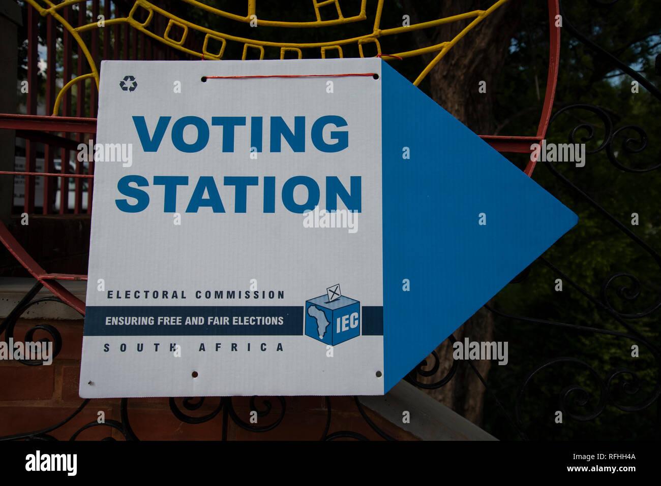 Johannesburg, Afrique du Sud. 26 janvier, 2019. Un panneau à l'entrée d'une catégorie de vote site dans Linden, Johannesburg, samedi après-midi. C'est la dernière semaine pour s'inscrire pour voter en 2019 l'Afrique du Sud aux élections générales. Credit: Eva-Lotta Jansson/Alamy Live News Banque D'Images