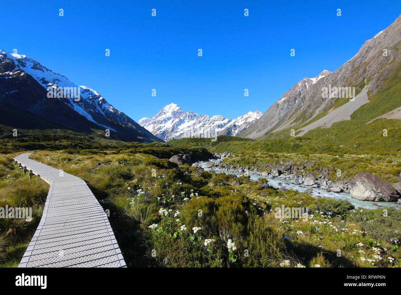 / L'Aoraki Mount Cook le long de la piste de la vallée de Hooker, île du Sud, Nouvelle-Zélande Banque D'Images
