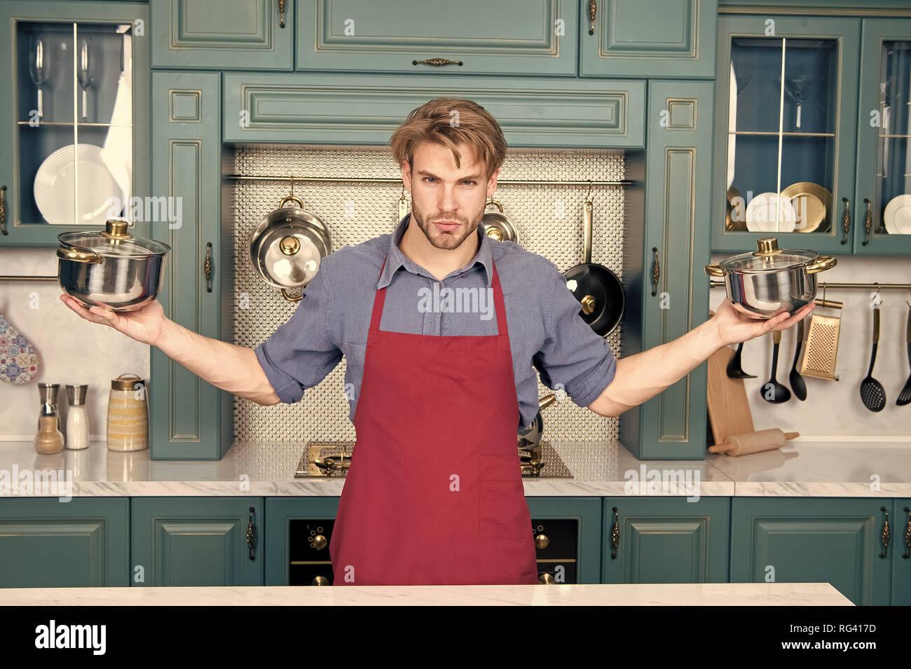 Batterie de cuisine, des outils, ustensiles de cuisine batterie de casseroles Photo Stock