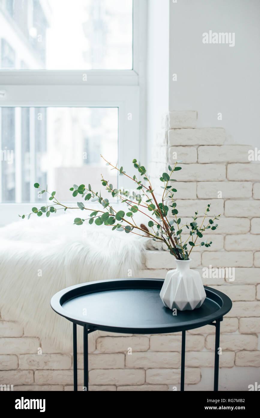 Home Intérieur Scandinave Minimaliste, Table Basse à Un Arrangement En Chambre  Blanche