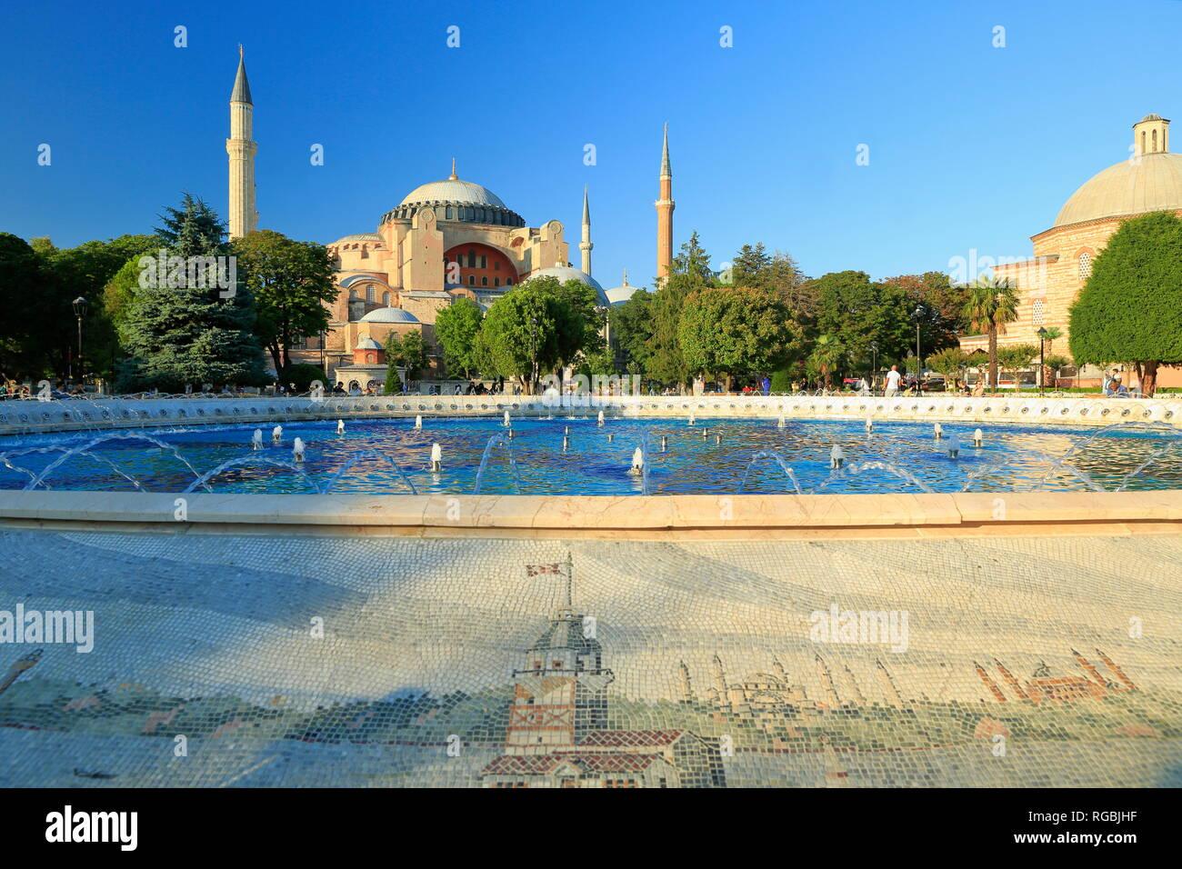 Musée Sainte-sophie. C'est la plus grande église de l'Empire romain d'Orient à Istanbul, utilisé comme une église de 916 ans et qu'une mosquée pour 482 ans. Photo Stock