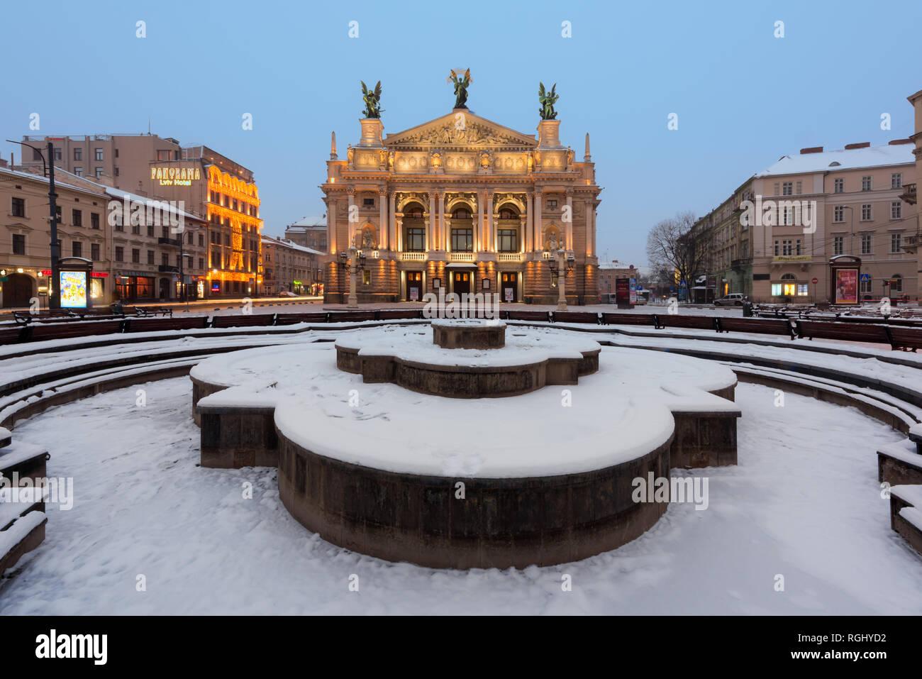 Solomiya Krushelnytska Lviv Théâtre d'opéra et de Ballet en hiver Banque D'Images