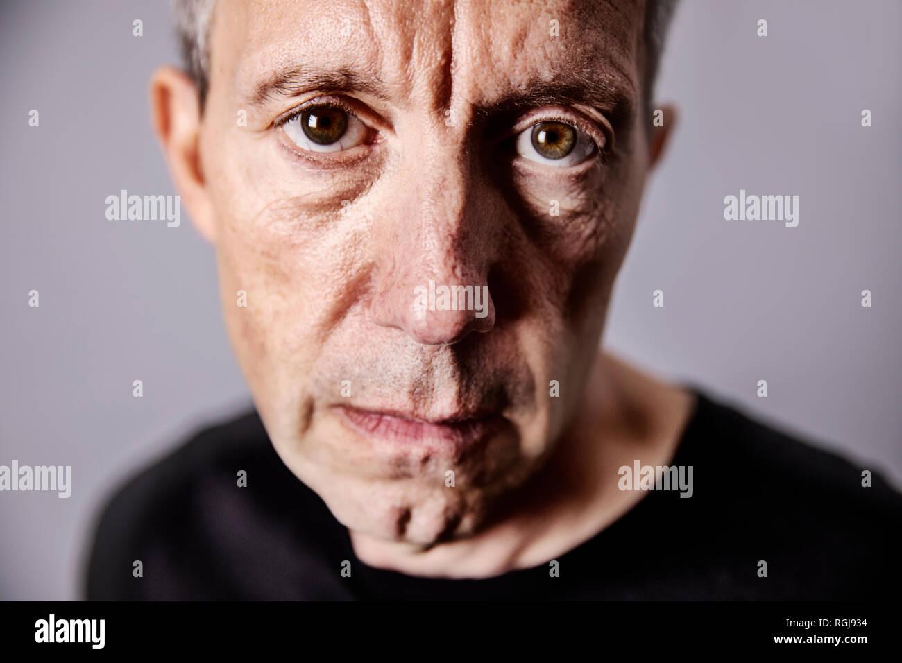 Portrait d'homme mûr déçu Banque D'Images