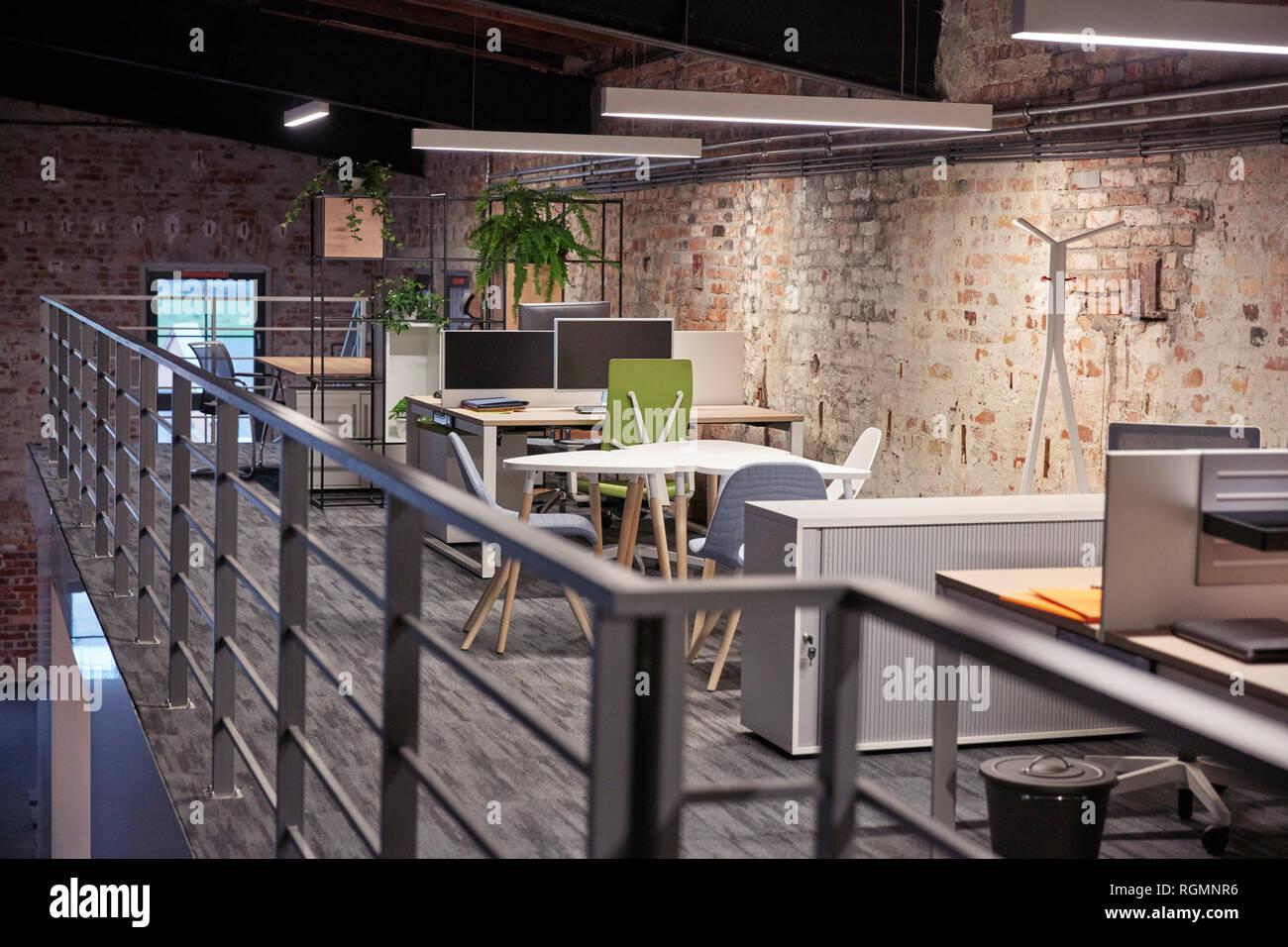 Intérieur dun bureau de style loft industriel moderne banque d