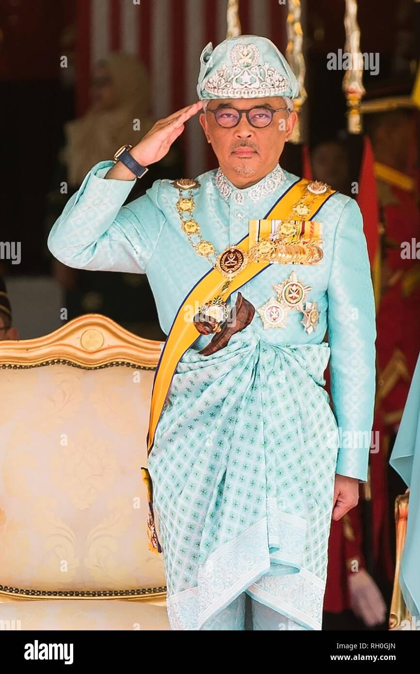 Kuala Lumpur, Malaisie. Jan 31, 2019. Sultan Abdullah Sultan Ahmad Shah assiste à la cérémonie d'accueil à la place du parlement à Kuala Lumpur, Malaisie, le 31 janvier 2019. Sultan Abdullah Sultan Ahmad Shah a prêté serment en tant que 16ème de la Malaisie king au cours d'une cérémonie au Palais national, le jeudi. La Malaisie est une monarchie constitutionnelle, avec 9 sultans ou des dirigeants, qui sont à la tête de leurs États respectifs et agir en tant que chef religieux, se relayant pour servir le roi pour un mandat de cinq ans. Credit: Zhu Wei/Xinhua/Alamy Live News Photo Stock