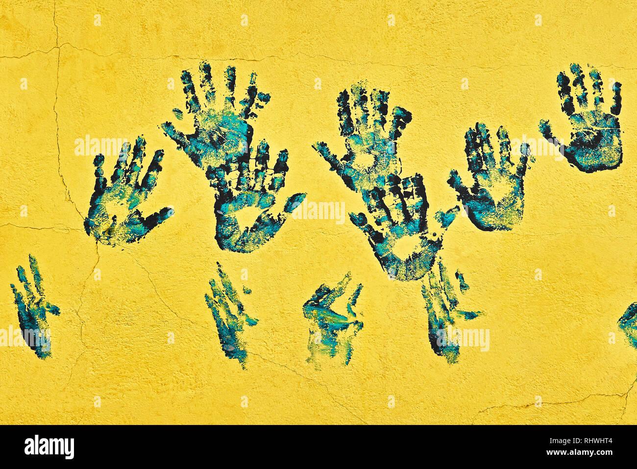 Beaucoup De Peinture Bleu Et Noir Part Imprime Sur Un Mur De
