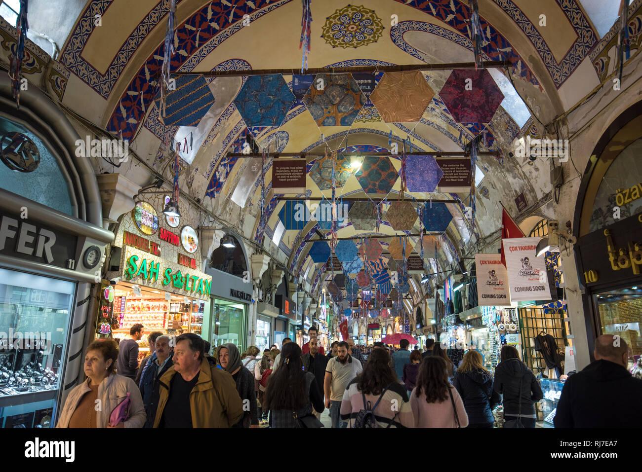 203674c91f8e Le Grand Bazar d Istanbul ( Kapali Carsi ) - le plus célèbre marché couvert