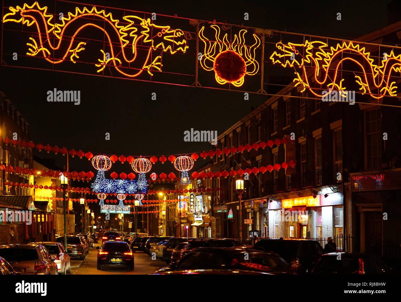 Liverpool, Royaume-Uni. 5 Février, 2019. Lanternes chinoises et feux colorés Nelson Street dans le quartier chinois de Liverpool pour le Nouvel An chinois. Credit: Pak Hung Chan/Alamy Live News Banque D'Images