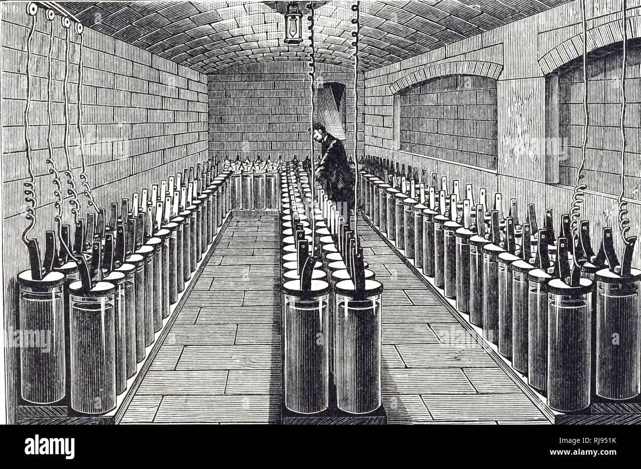 Une gravure représentant une batterie de 165 cellules de plante utilisés pour fournir de la lumière dans l'Hôtel de Ville, Paris, France. En date du 19e siècle Photo Stock