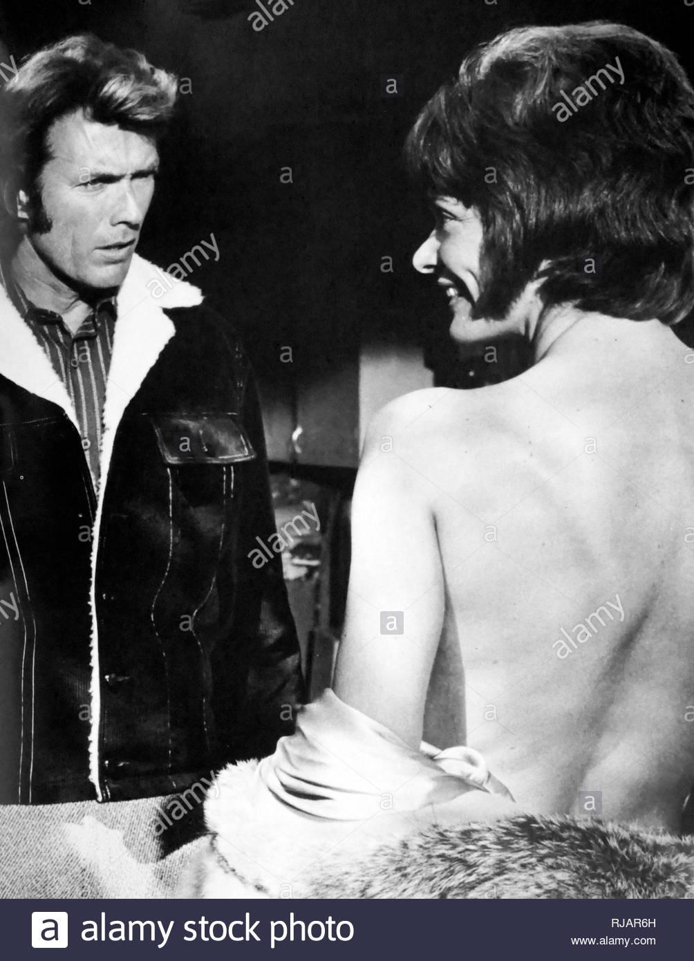 Play Misty pour moi; 1971 thriller psychologique américain, film réalisé par et avec Clint Eastwood, dans ses débuts de réalisateur et Jessica Walter. Dans le film, Eastwood joue le rôle d'un disc-jockey radio harcelées par un ventilateur de sexe féminin. Photo Stock