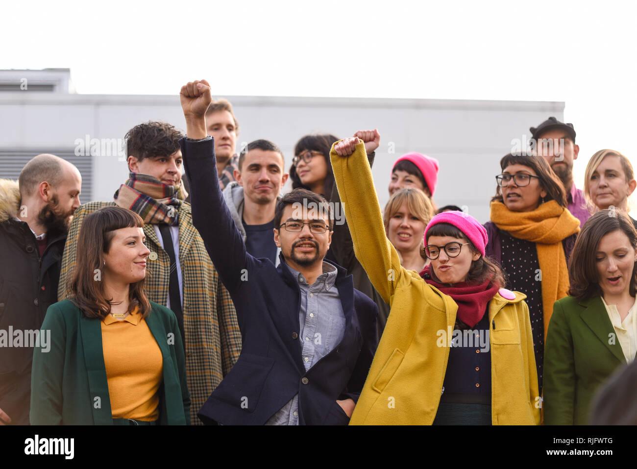 Condamnation de 15 manifestants qui ont bloqué un vol d'expulsion et ont perturbé les opérations à l'aéroport de Stansted, le 28 mars 2017 a lieu à Chelmsford Crown Court. Les manifestants se sont réunis à l'extérieur de la cour qui manifestent contre leurs convictions Photo Stock