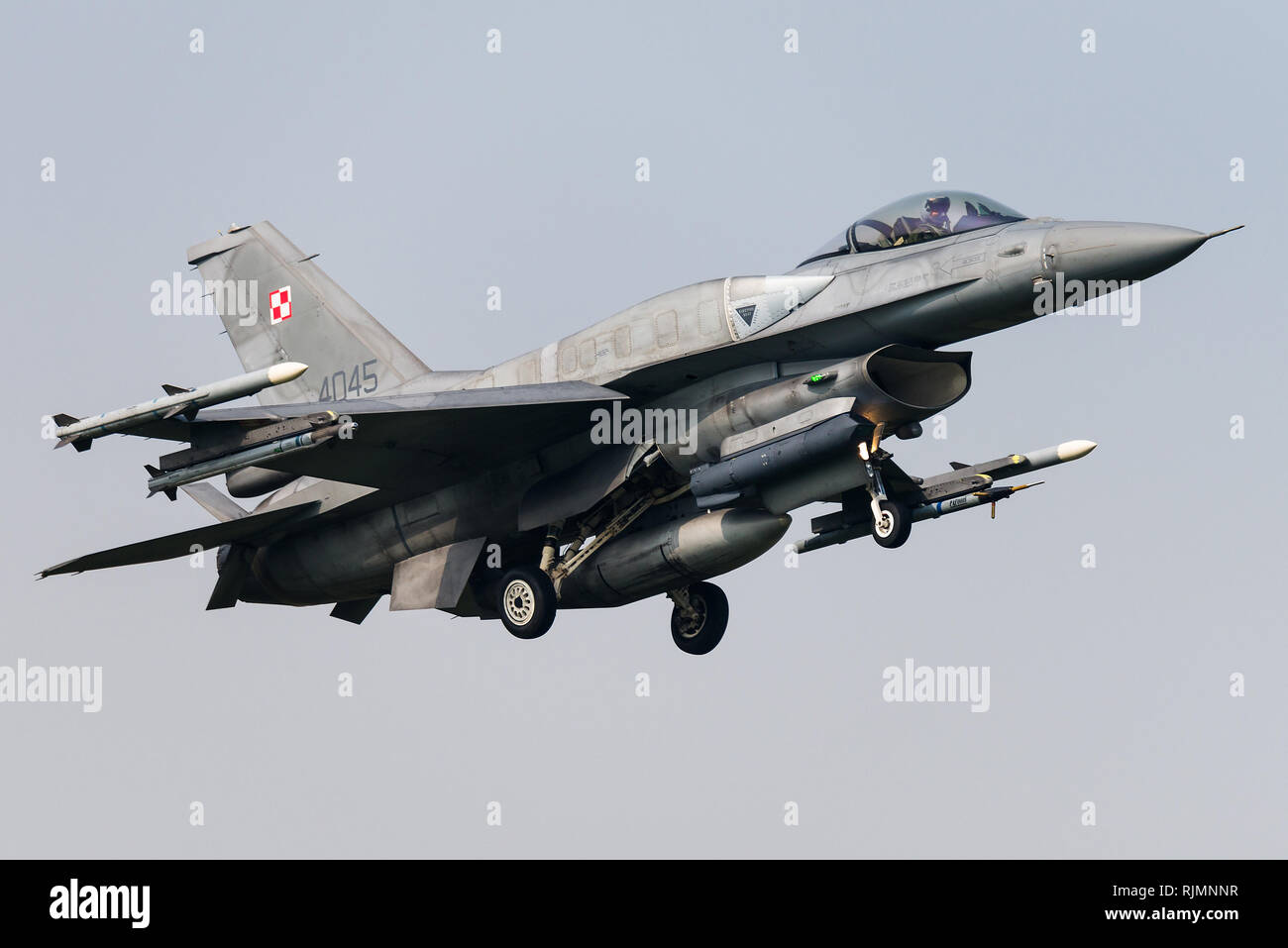 Un Lockheed Martin F-16D avion de chasse de l'Armée de l'Air polonaise. Banque D'Images
