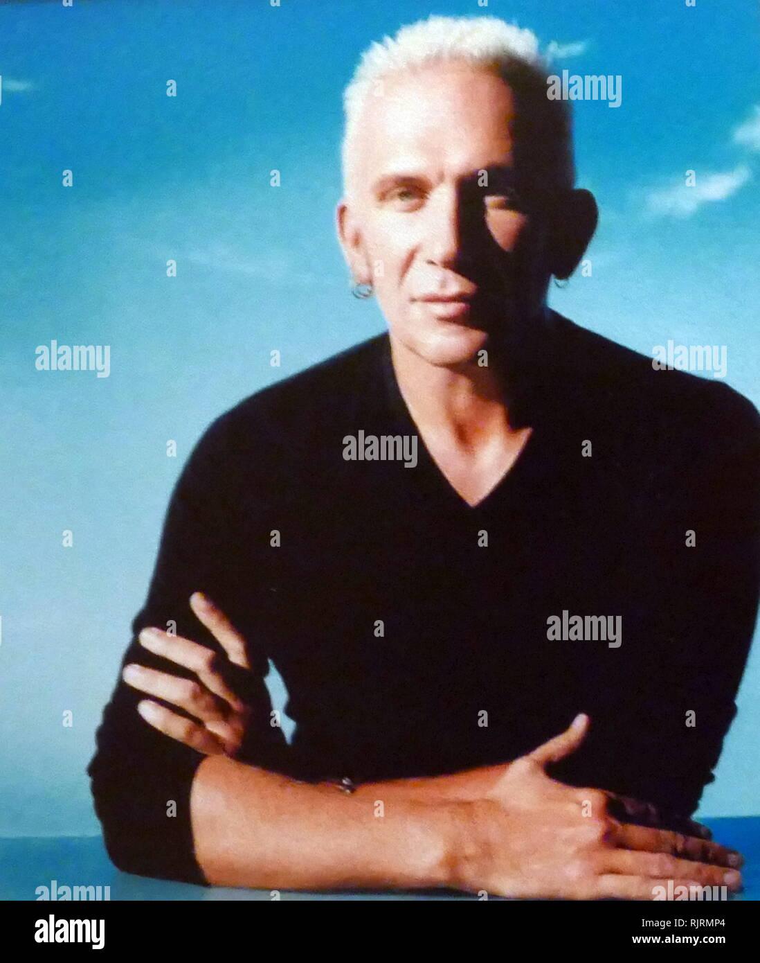 Jean-Paul Gaultier (né en 1952), le français de haute couture et de pret-a-porter styliste de mode. Il a été le directeur artistique d'Hermès de 2003 à 2010. Photo Stock