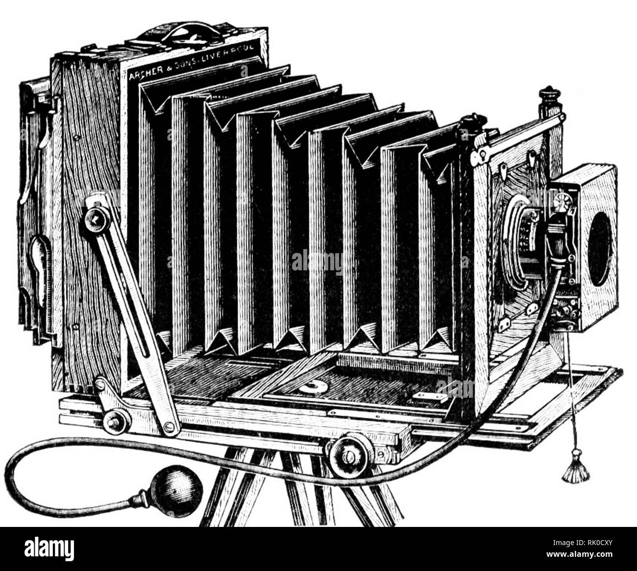 Vintage ancienne plaque photographique appareil photo - cela a été fait par Archer & Sons de Liverpool Banque D'Images