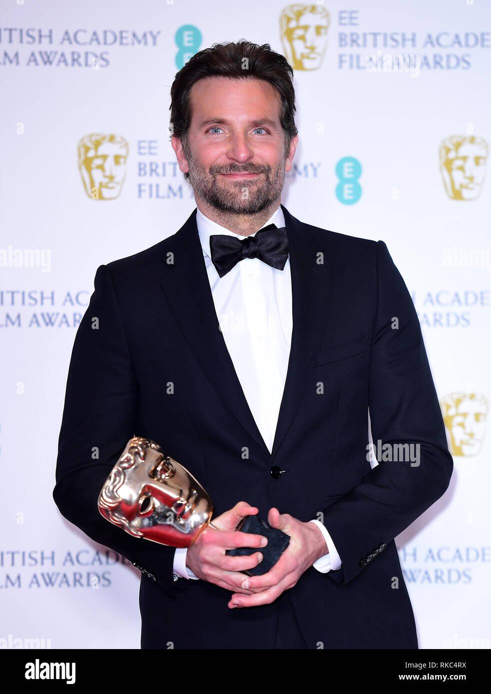 Bradley Cooper Avec Son Bafta De La Meilleure Musique