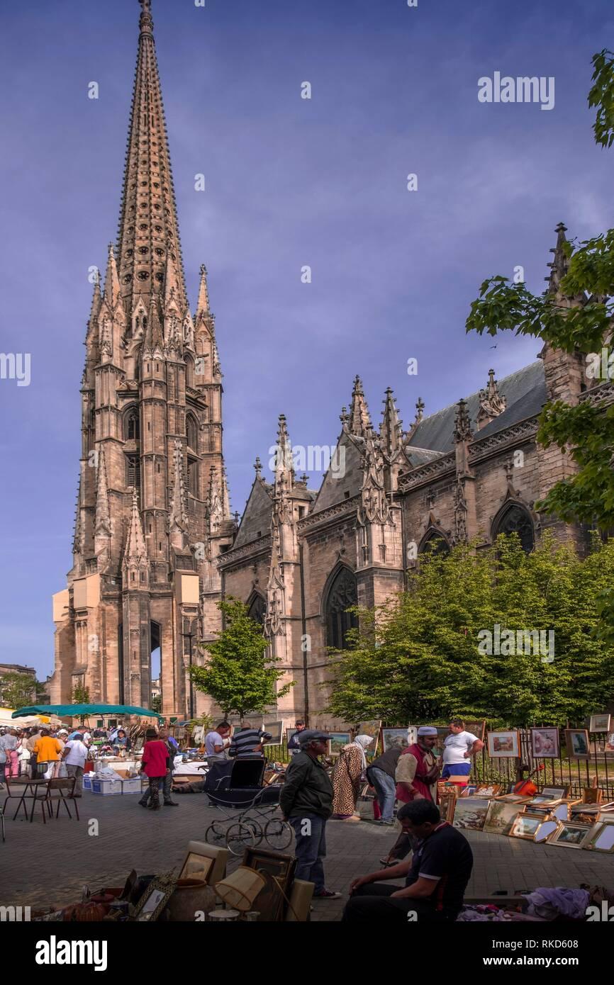 Nouvelle France, Aquitaine, Gironde, marché aux puces le dimanche sur la Place Saint Michel, à Bordeaux Photo Stock