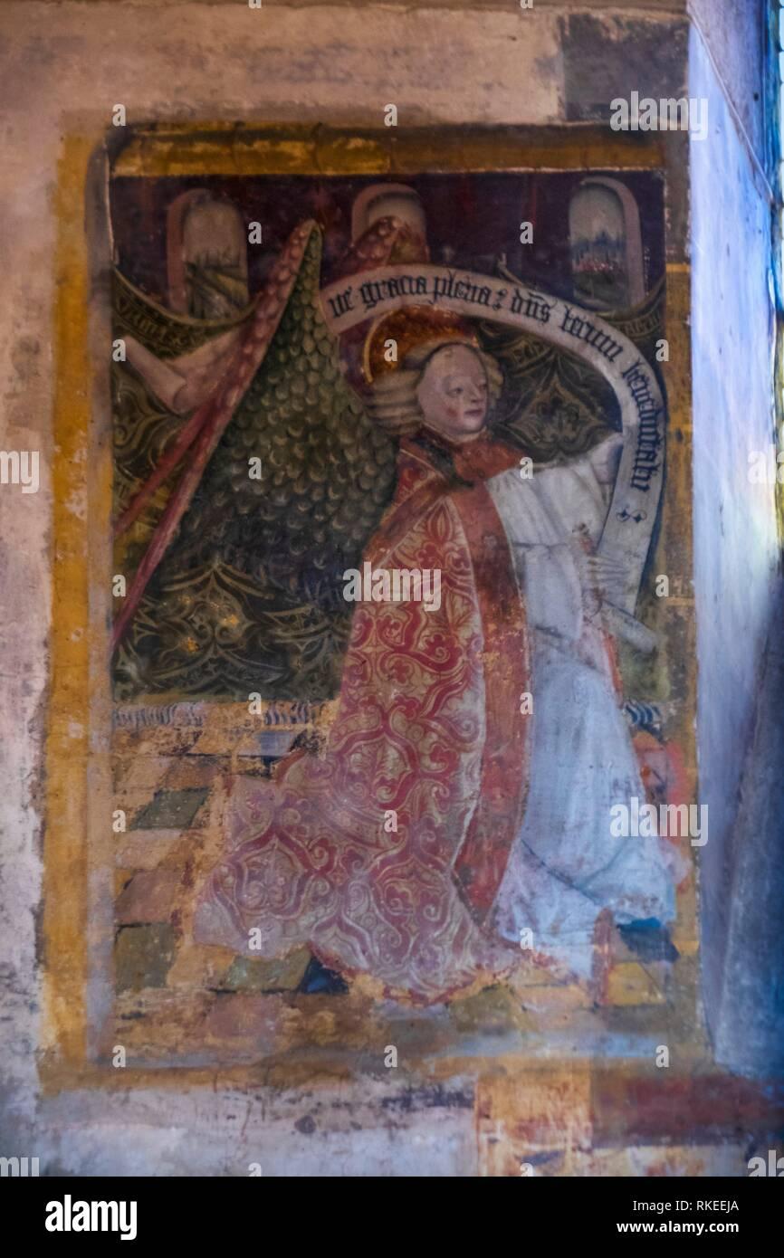 France, Auvergne, Puy de Dôme, la peinture murale du 12e siècle à de l'église romane de Saint Saturnin. Pèlerinage à St-Jacques de Compostelle. Photo Stock