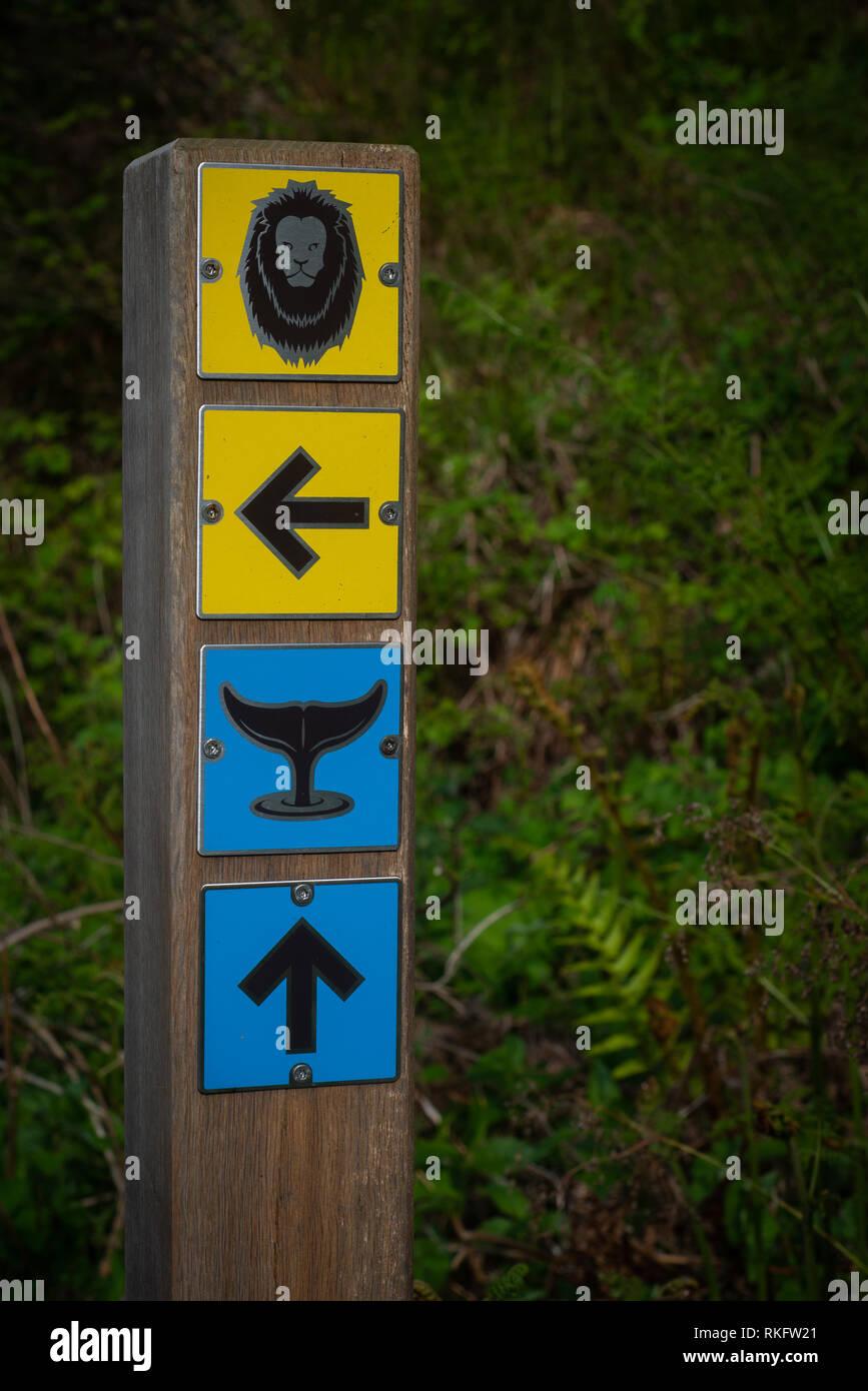 Directions sur un chemin menant aux animaux Banque D'Images