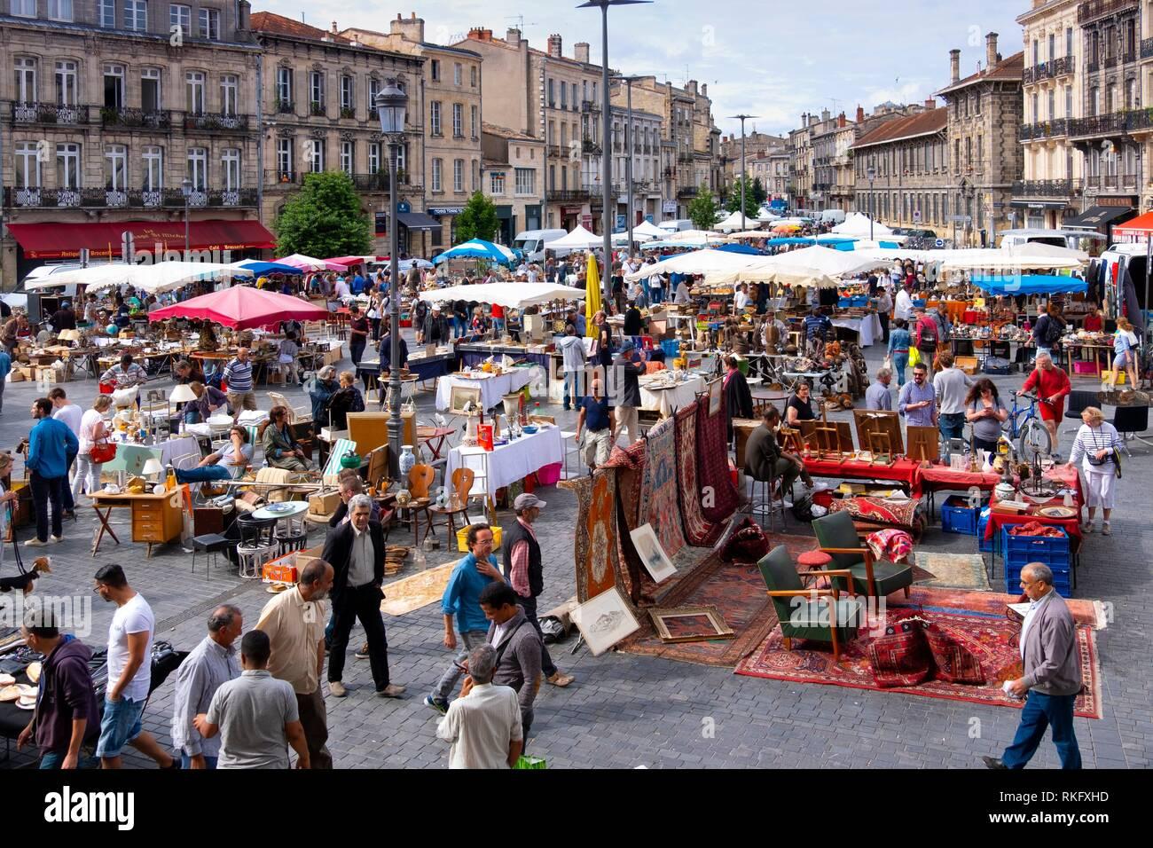 Nouvelle France, Aquitaine, Gironde, marché aux puces le dimanche sur place ASaint Michel, à Bordeaux. Photo Stock